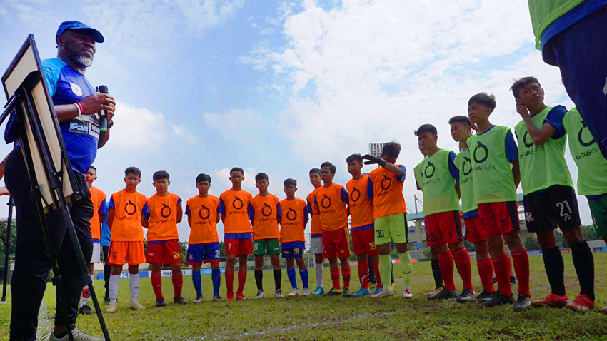 Freeport Ajak Jacksen F. Tiago Latih Pemain U-14