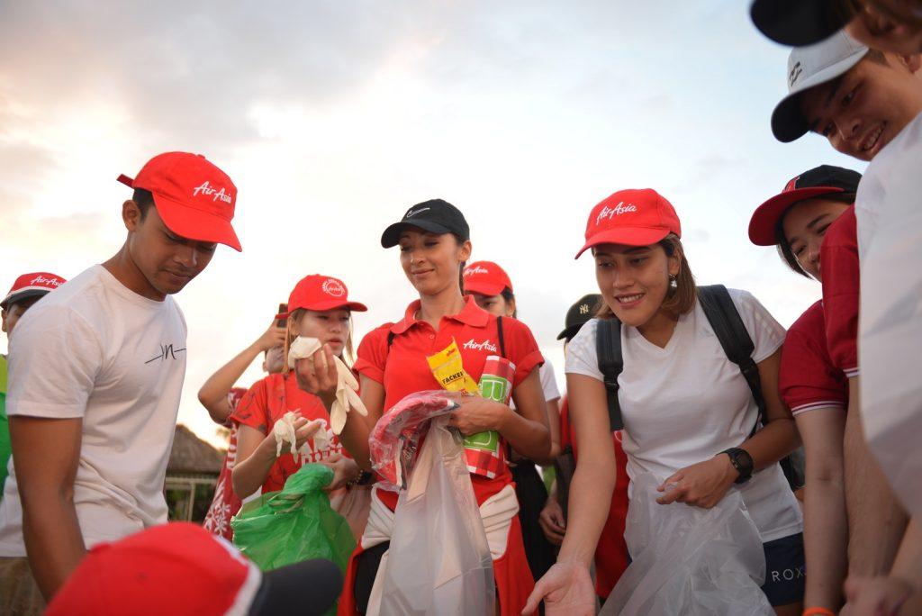 AirAsia Dukung Aksi Bersih-Bersih di Bali