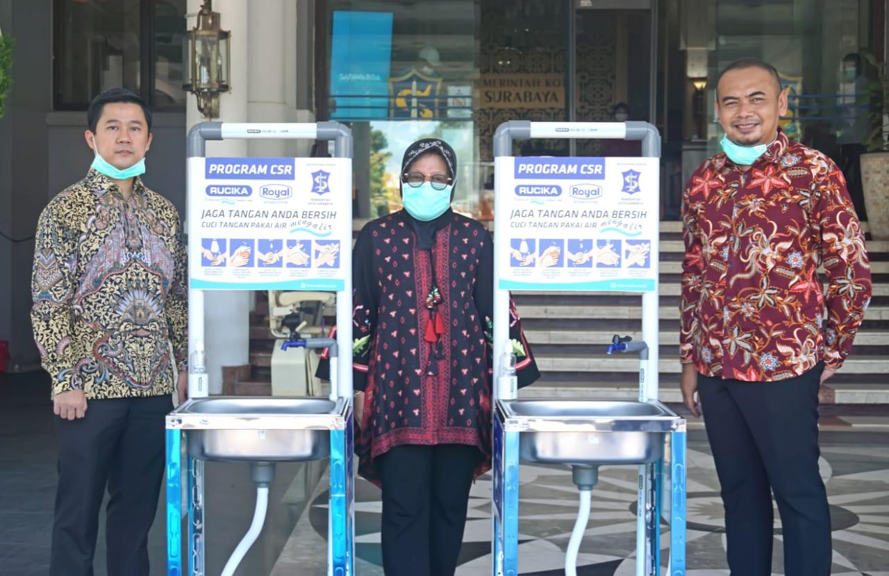 Rucika Peduli Gerakan Cuci Tangan Dengan Air Bersih di Surabaya