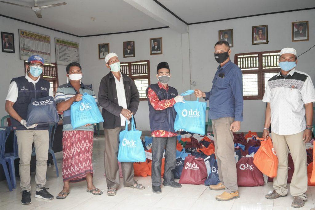 ITDC Salurkan 1.200 Paket Sembako ke Enam Desa Penyangga The Mandalika