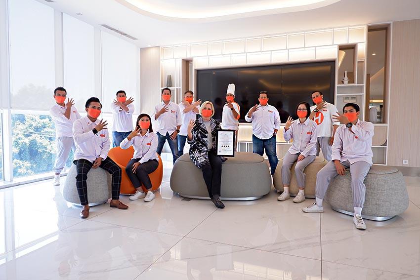 HARRIS Bundaran Satelit Surabaya Raih Predikat Hotel Bintang 4