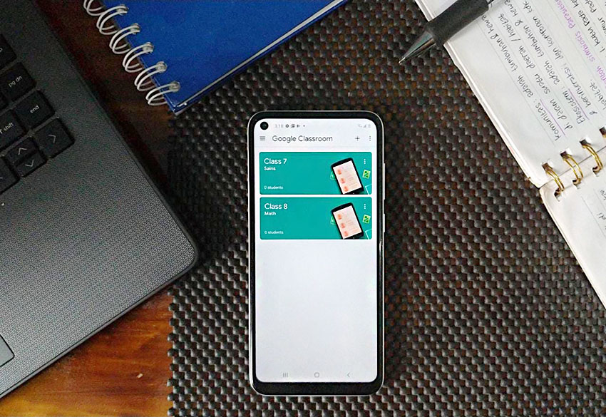 Dukung Semangat Tetap Sekolah,Samsung dan Telkomsel Hadirkan Paket Bundling