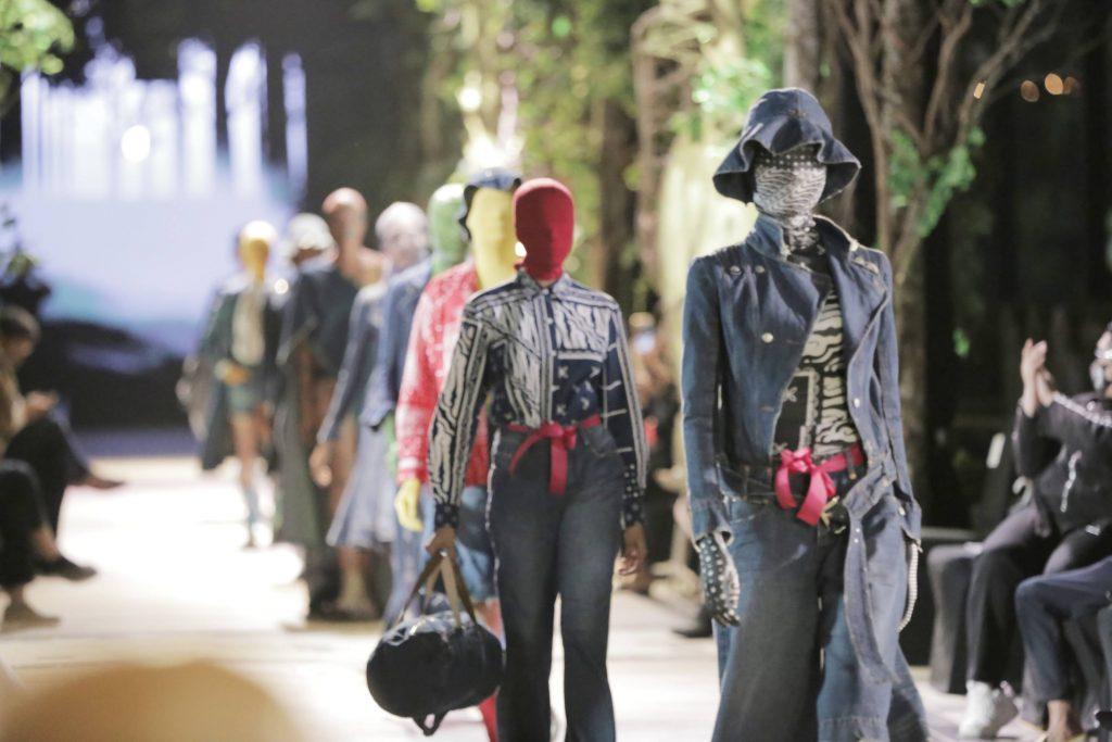Peragaan Busana Pakaiankoe Hadirkan Konsep Unik dan Menarik