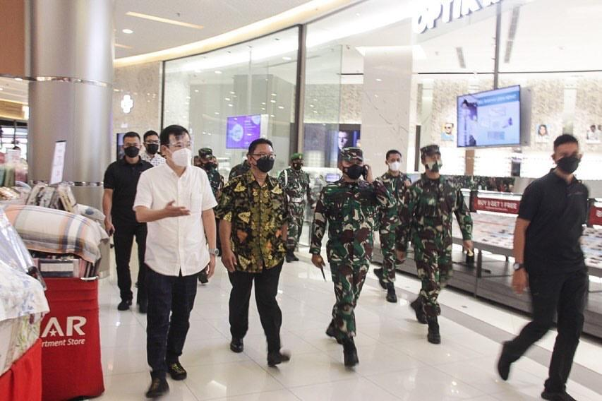 Panglima Kodam Jaya Tinjau Penerapan ProKes di Summarecon Mall Bekasi